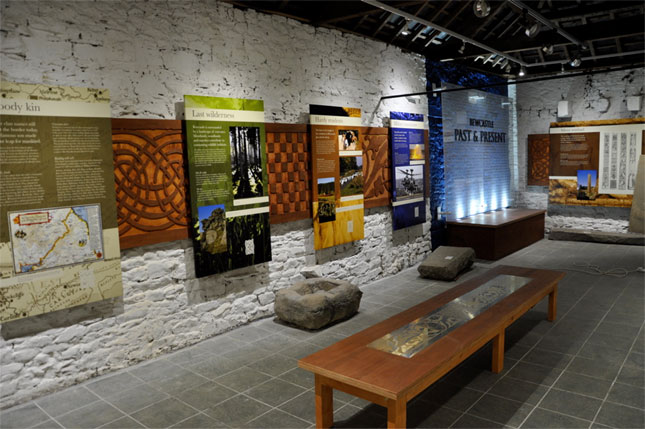 museum table & walls